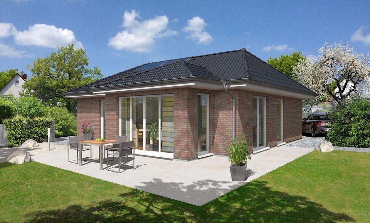 Massivhaus Bungalow mit Wintergarten Erker & Walmdach Architektur ...