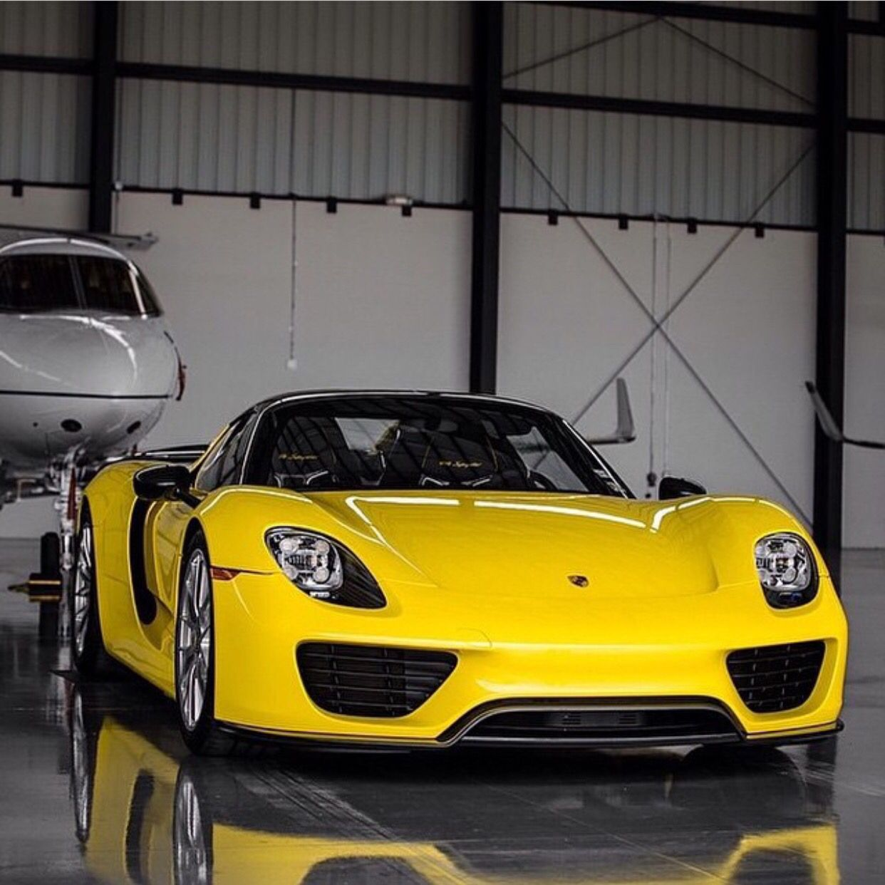 Porsche 918 Spider Painted In Racing Yellow Photo Taken By