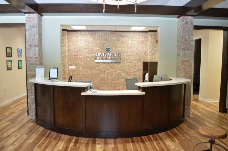 Best Office Reception Area Decor Ideas With Wall Brick And Wood Flooring