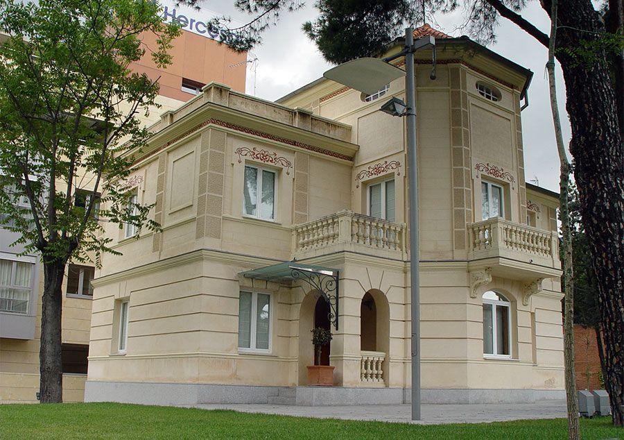 Villa Rosario / Arturo Soria, 65 / Probablemente la vivienda mejor restaurada y más parecida a las originales de toda la Ciudad Lineal ~ (2004)
