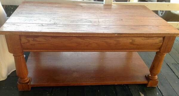 Broyhill Attic Heirlooms Coffee Table With Side Drawer In Oak Stain ❤