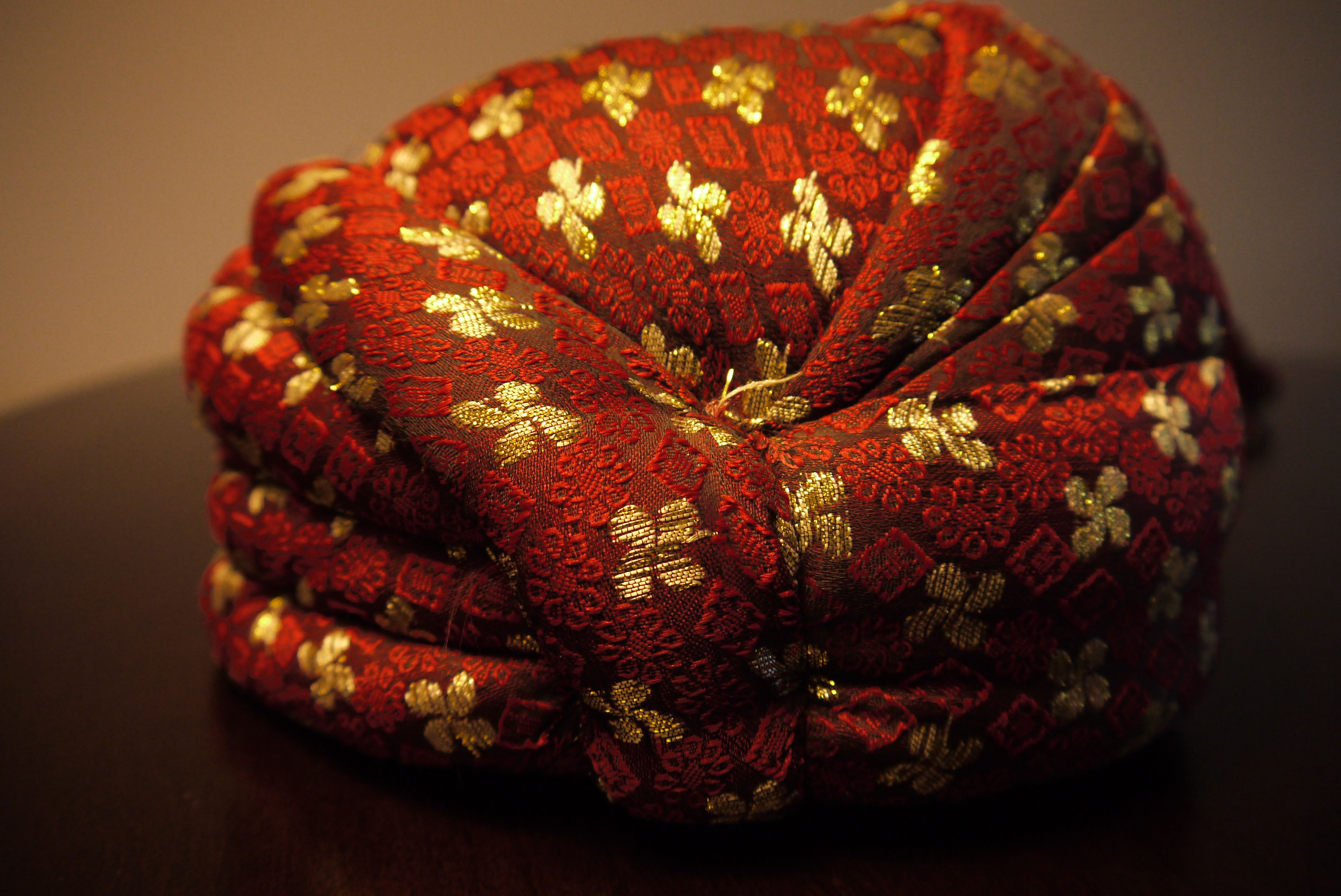 Handmade Turban Pagri Or Kulla For South Asian Grooms Pakistani Punjabi Style Http Www Etsy Com Shop Traditional Indian Wedding Groom Accessories Pagri