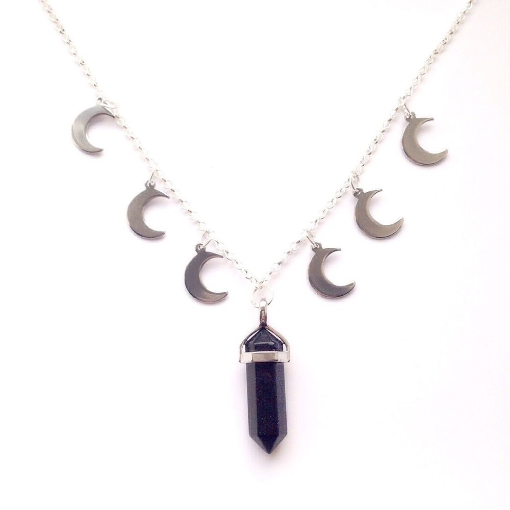 Many moons chain choker