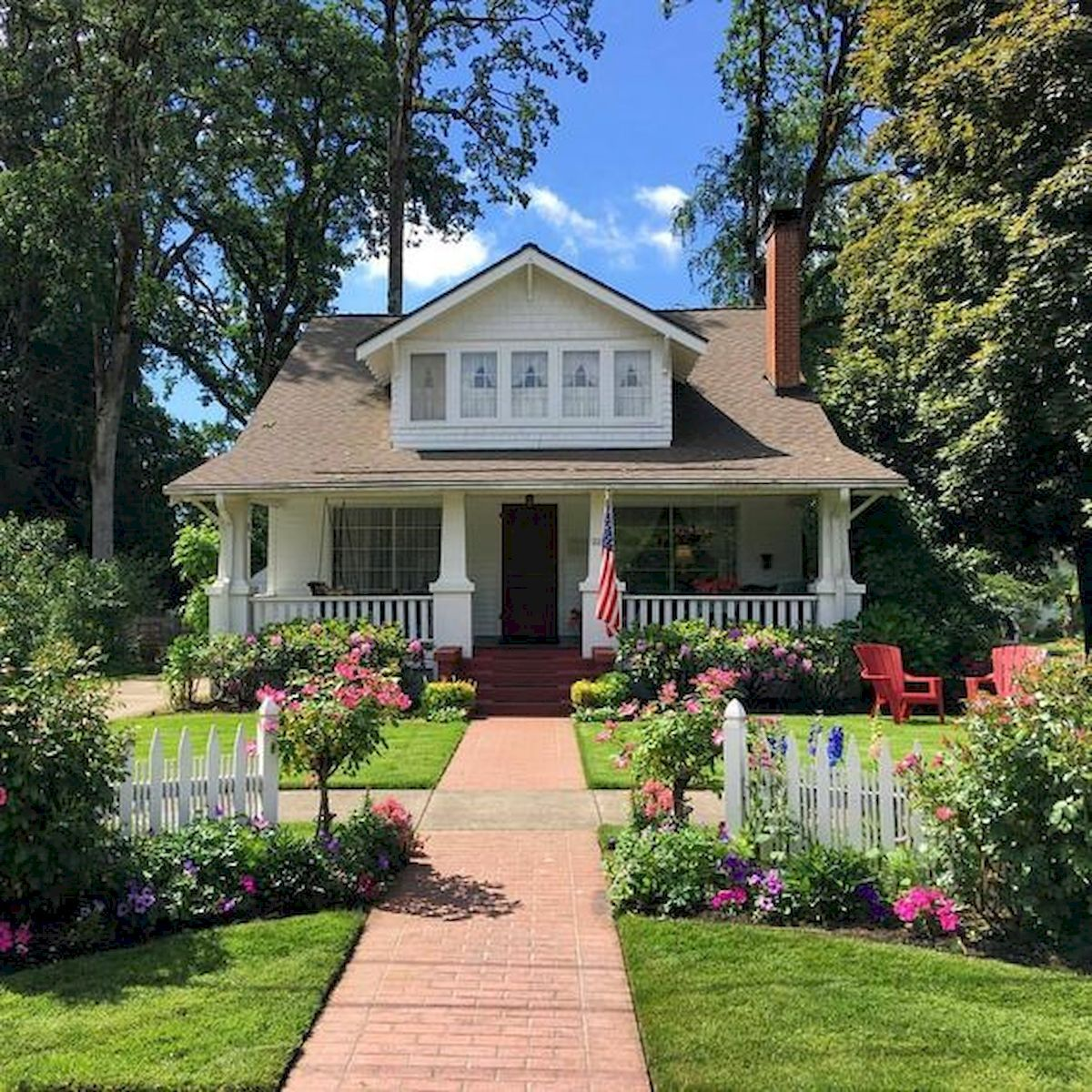 Awesome 40 Best Bungalow Homes Design Ideas Https Livingmarch Com 40 Best Bungalow Homes Tiny House Plans Small Cottages Craftsman Style Homes Bungalow Homes
