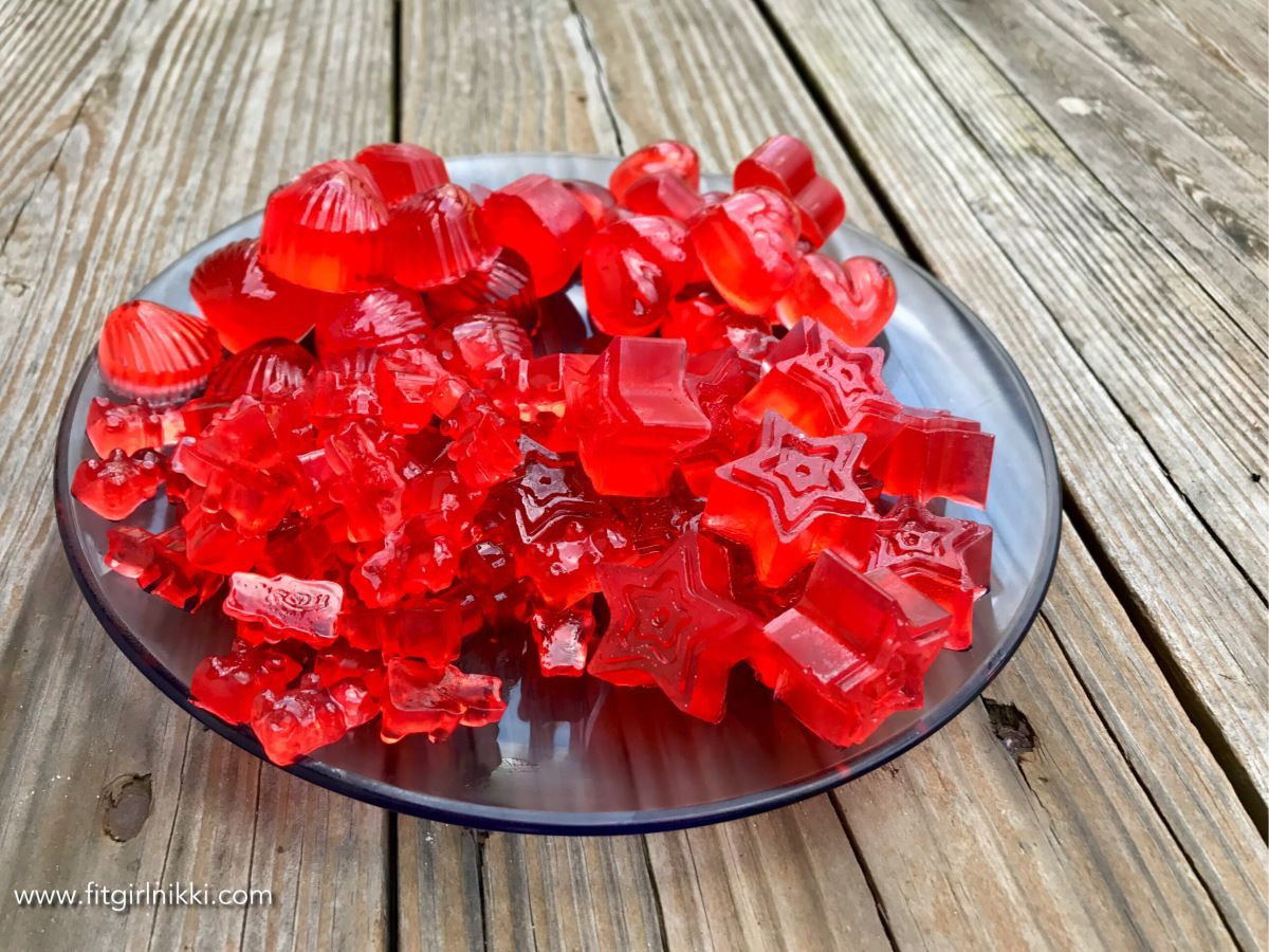 Looking For A Low Carb Low Calorie Sweet Treat Here You Go Need 3 Gelatin Packs Unflavored 1 Scoop Bcaa Gummies Recipe Bear Recipes Vegan Gummy Bears