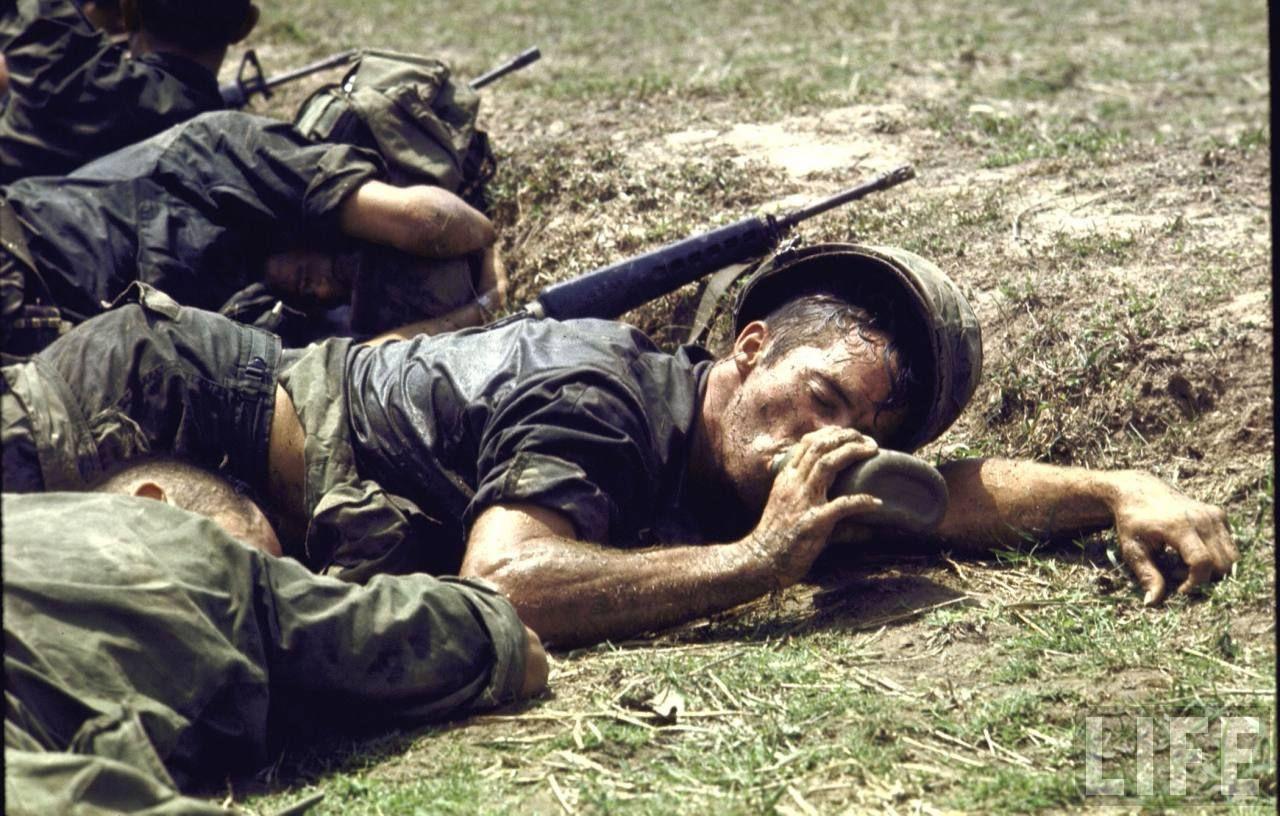 Αποτέλεσμα εικόνας για Larry Burrows  photos vietnam LIFE