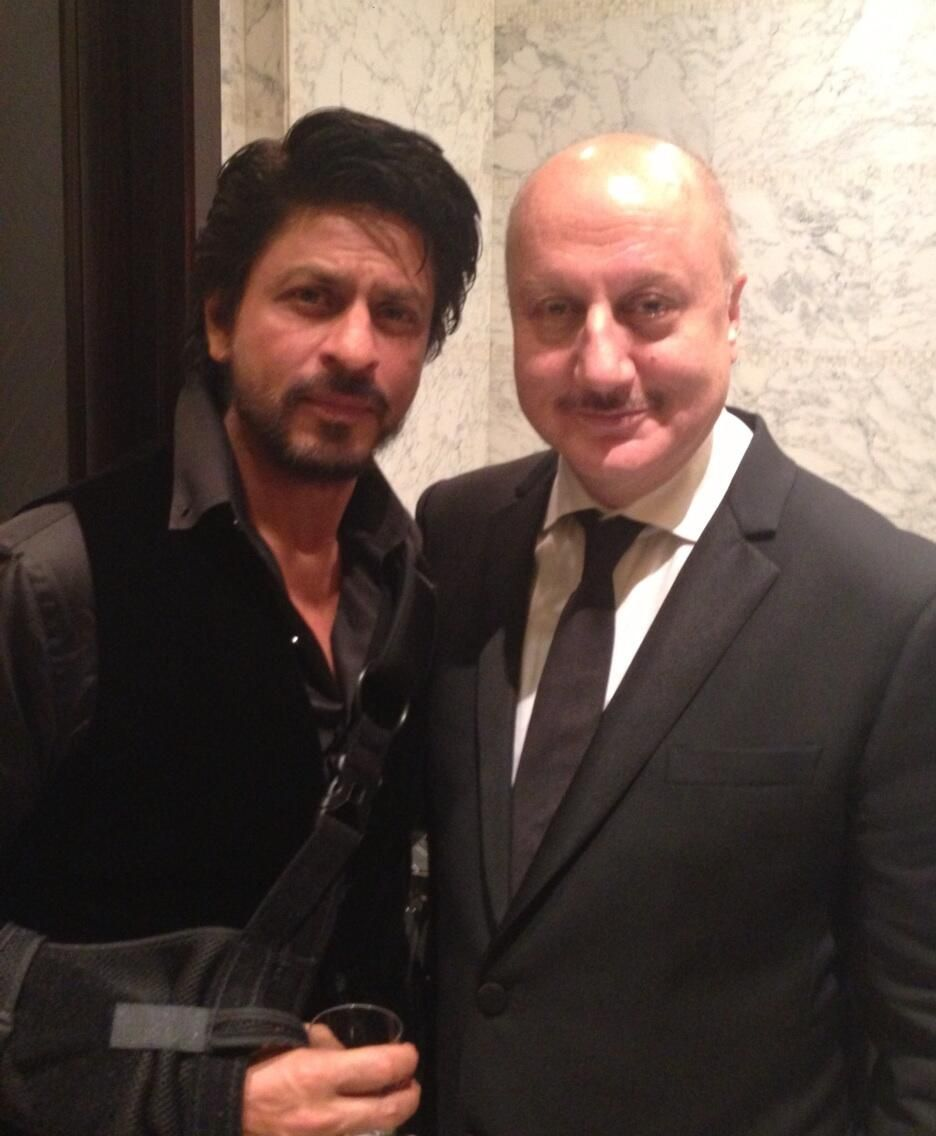 Shahrukh Khan with Anupam Kher - great Father-Son team from Chaahat to DDLJ and beyond... #Bollywood