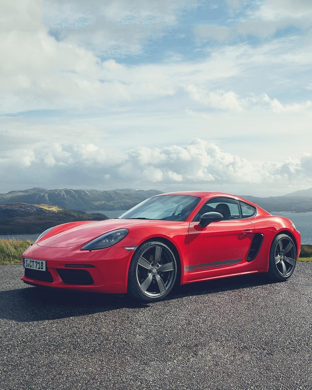 The New Porsche 718 Cayman T Is Made For Pure Driving Pleasure Its Heart A 2 0 Litre Turbocharged Horizontall Porsche 718 Cayman Sports Car Brands Sports Car
