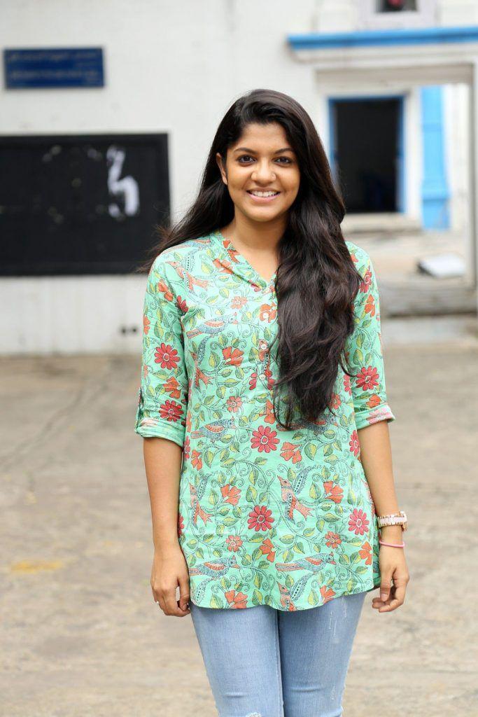 Aparna Balamurali Actress Biography Wiki Age Husband Family In 2020