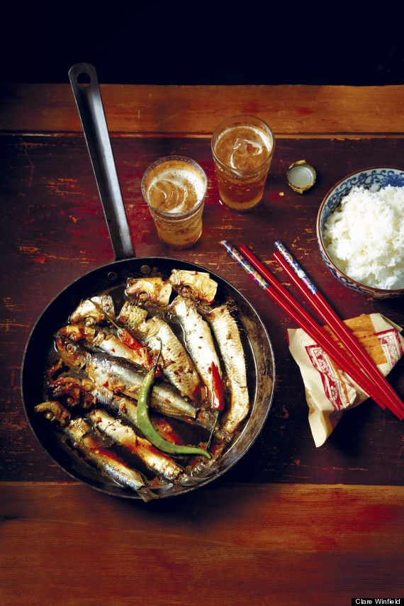 Caramelized Sardines 1 Tablespoon Cooking Oil 2 Red Onion Finely Chopped 350 G Whole Scaled And Gutted 150 Ml Coconut Water Or Use Fresh