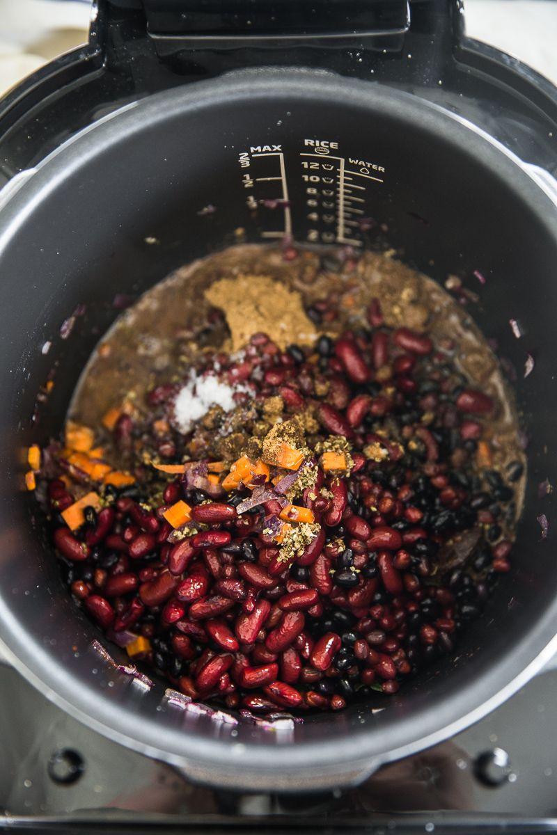 Mexican Bean And Mushroom Vegan Chili