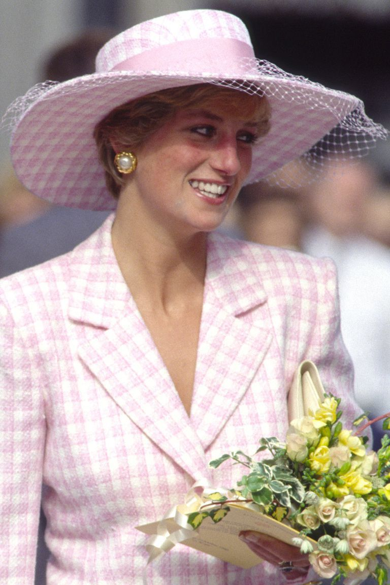 121a95cfa53 41 of Princess Diana's Most Iconic Hat Moments | Diana | Princess ...