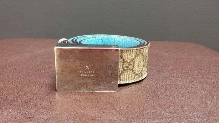a9994ddb152 Gucci-gordel in opperste GG doek Spectaculaire riem van de luxe-huis van de