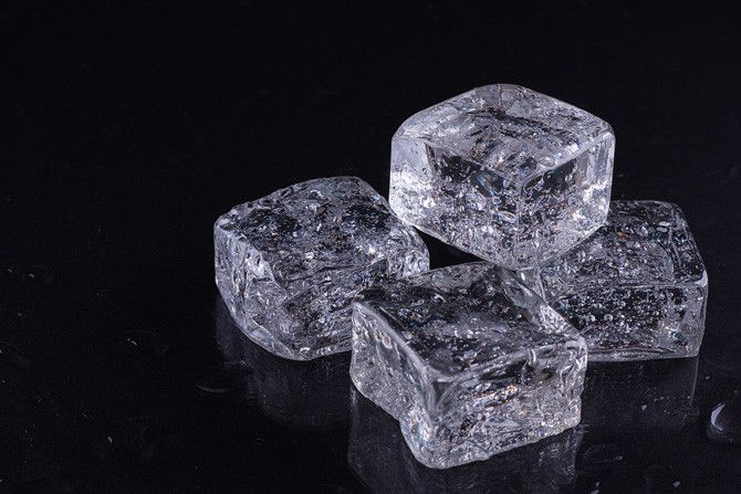 Make Your Own Fake Ice Cubes For Photography Staging - DIY Photography