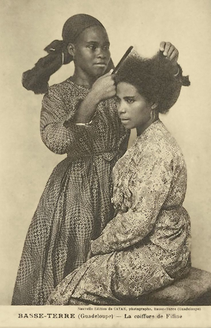 Basse Terre (Guadeloupe) - La coiffures de Filine (difficult hairstyles). Black woman styling another's natural hair. #black_history #vintagephoto