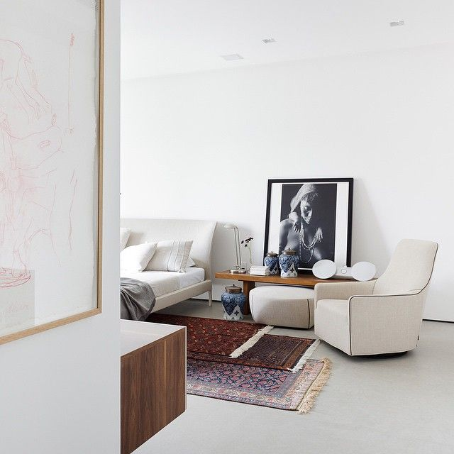 «A successful design should respond well to the client's brief. This Art Collector's apartment in Sao Paulo Brazil by the architectural firm of Consuelo…»