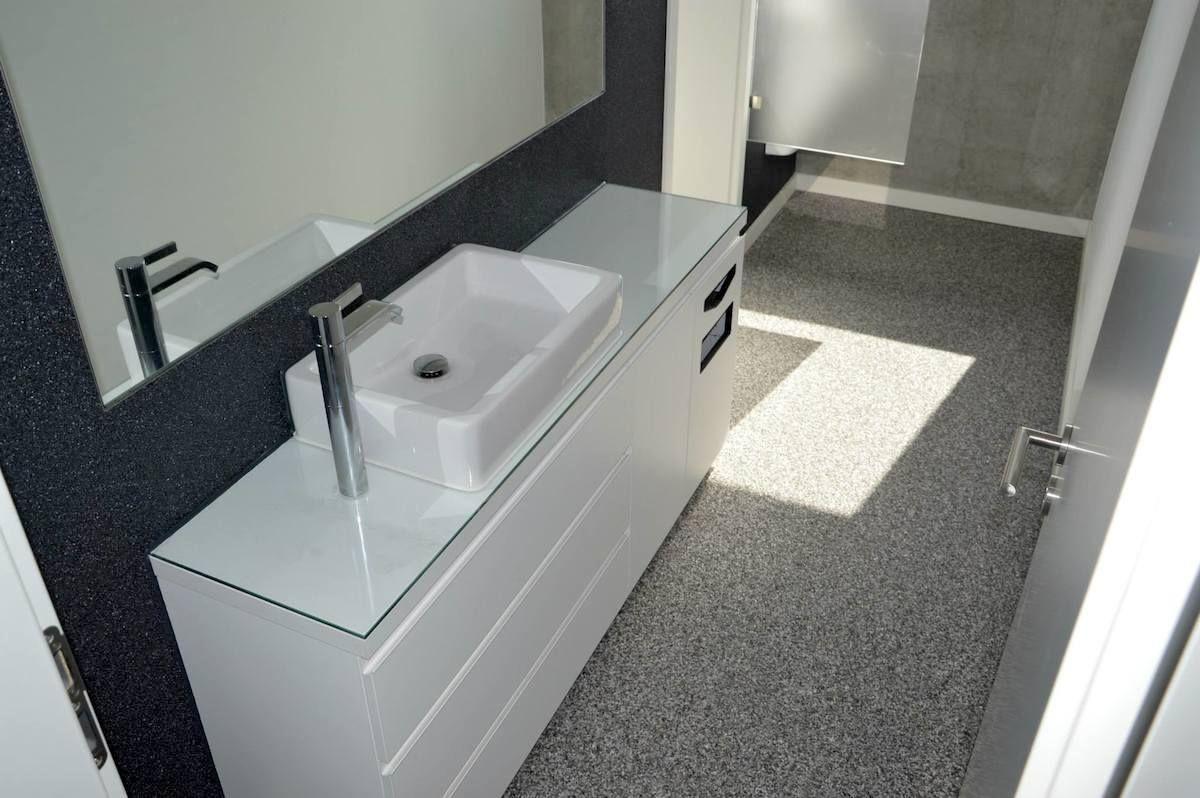 Steinteppich Badezimmer ~ Bodenbelag fugenlos #bodenbelag badezimmer #steinteppich