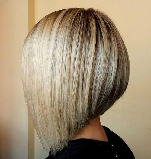 Smooth Sophistication With Vertical Lowlights Dark Roots Hair Styles Angled Bob Hairstyles Blonde Hair Colour Shades