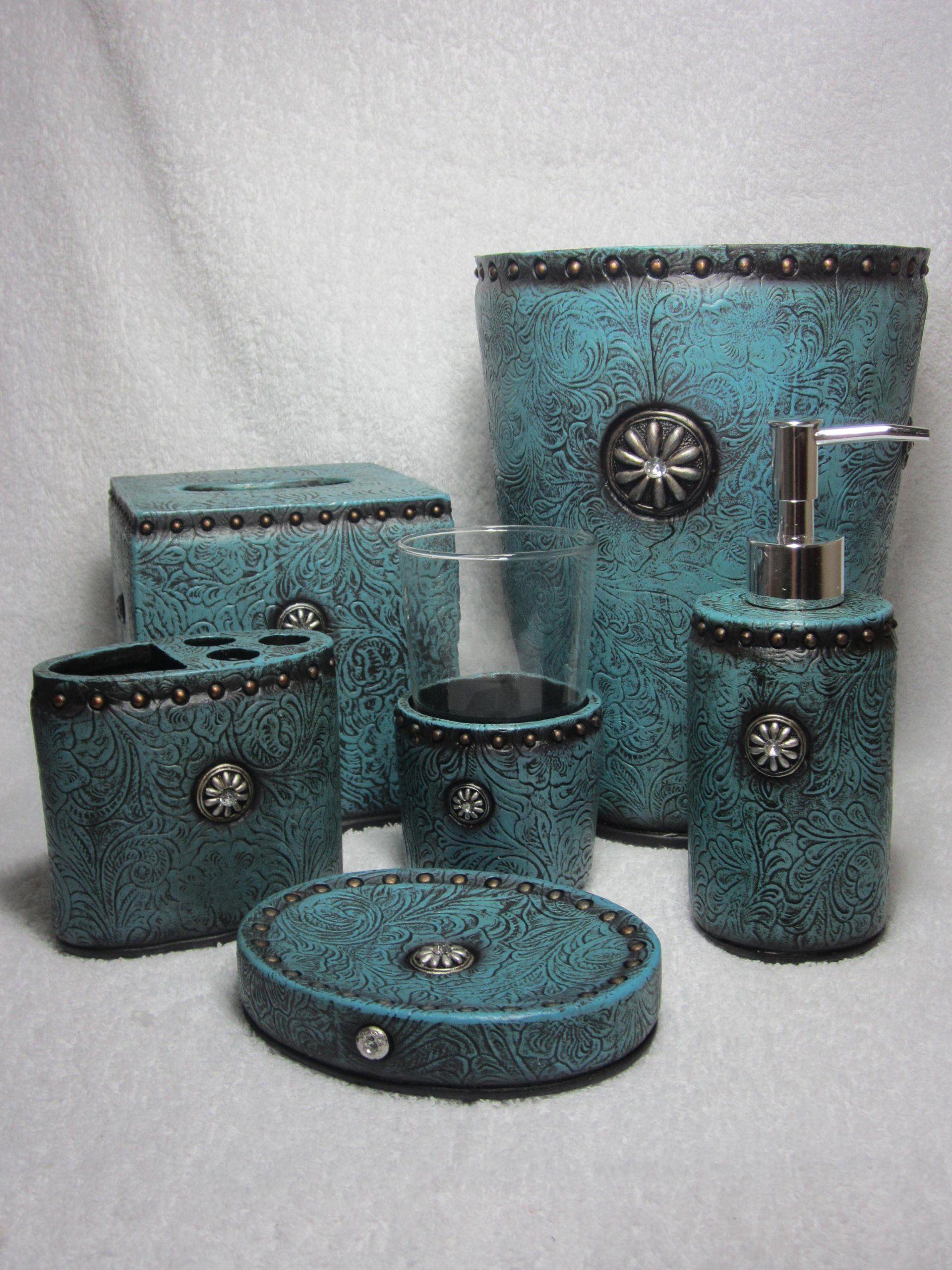 Amazon.com   Western Turquoise Rhinestone Concho Bathroom Set   Bathroom  Accessory Sets