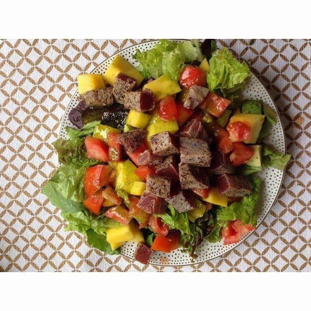 The Berger Bungalow: Sashimi Tuna Salad - Copycat Houston's recipe