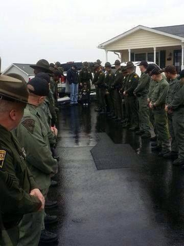 West Virginia State Police Escorting A Little Girl Fighting A Rare Form Of Leukemia Out To Lunch In Total 43 Troop State Police State Trooper Wife Girl Fights