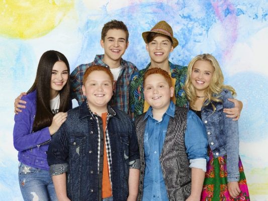 The Best Friends Whenever Tv Show On Disney Channel Has Been Cancelled There Will Be No Season Three Find O Best Friends Whenever Disney Channel Beat Friends