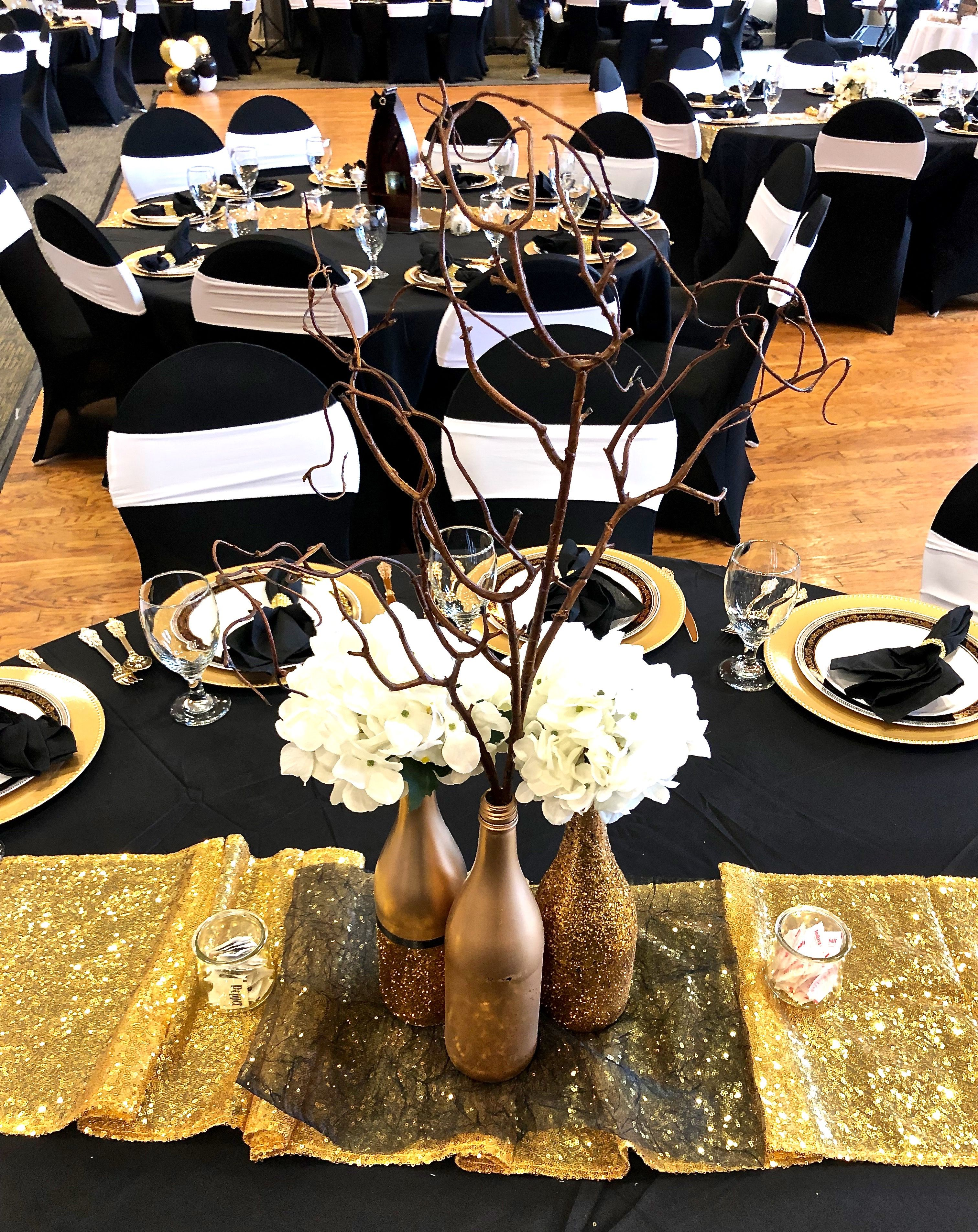 Black White And Gold Party With Glitter Gold Bottle Centerpieces Black And Gold Party Decorations Gold Theme Party Black And Gold Centerpieces