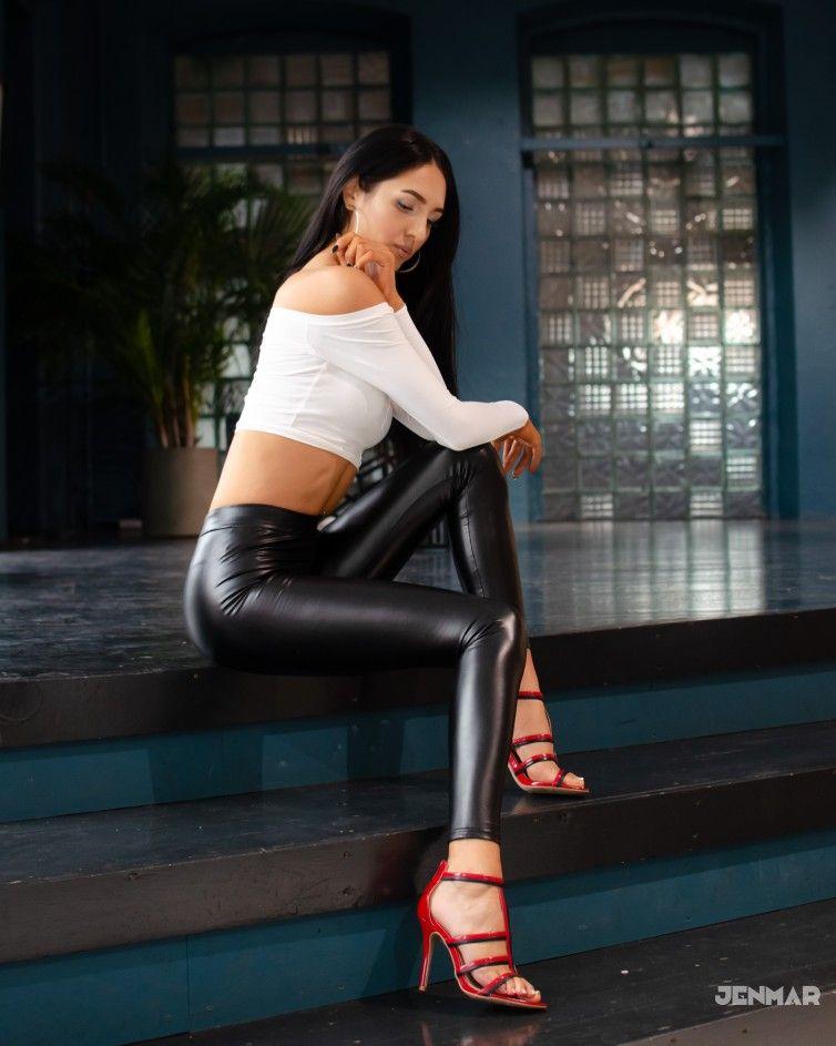 Ilmira beautiful leggings tight leggings shiny leggings