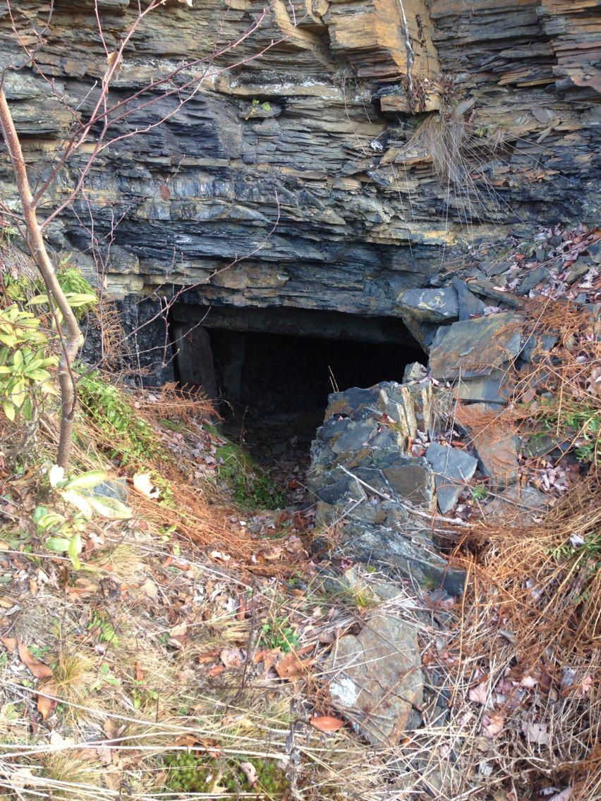 Bootleg mine entrance, Nanticoke area, pa | Entrance | Coal miners