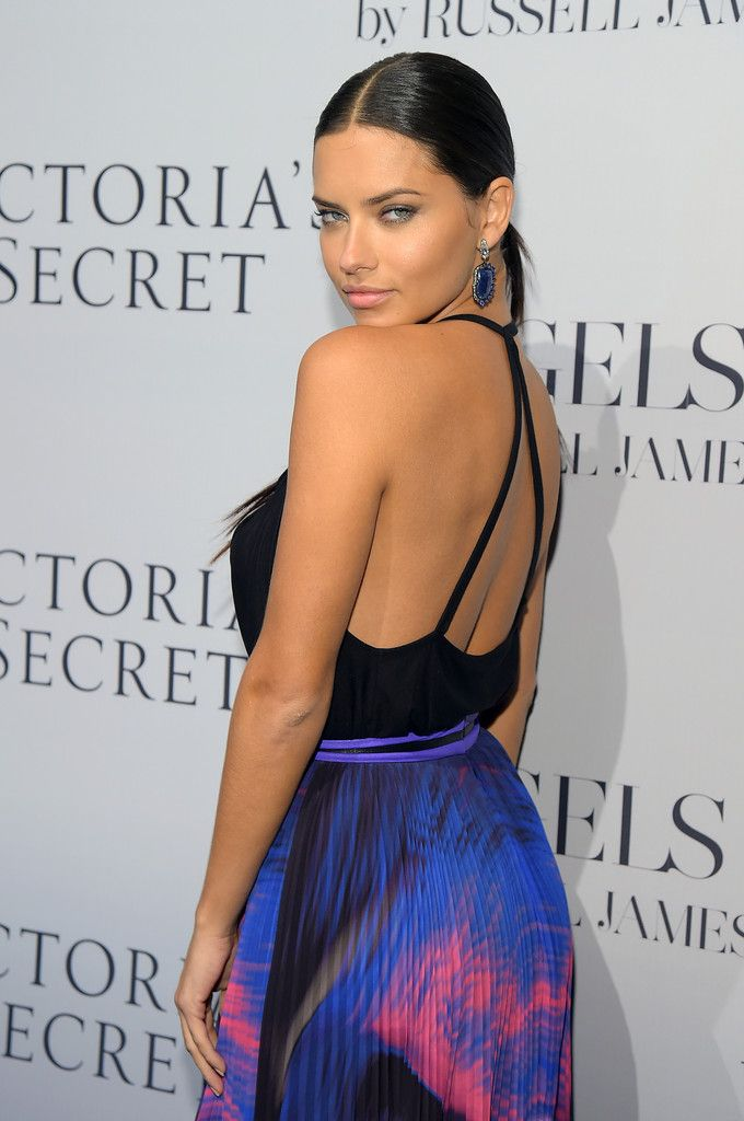 63f73d6d73af9 Gorgeous Adriana Lima at the Victoria s Secret Hosts Russell James   Angel  Book  Launch.