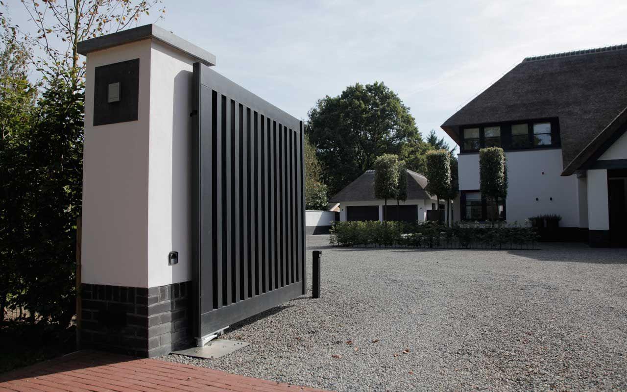 Grote Moderne Tuin : Grote moderne villa met moderne tuin poorten