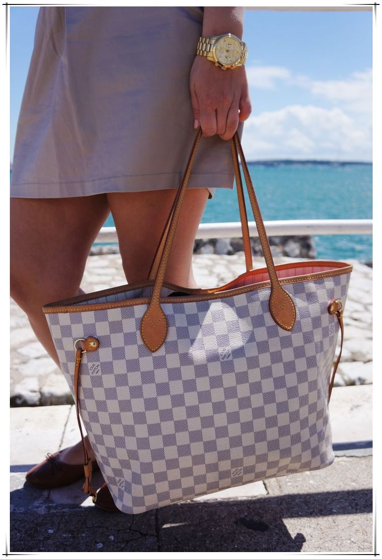 Neverfull Is The Best Choice To Send Your Friend As A Gift Just 235 99 Louis Vuitton Handbags