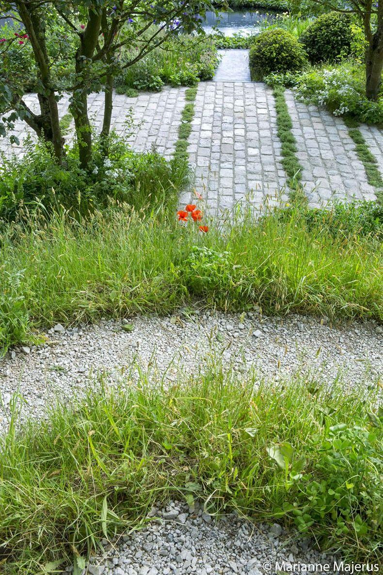 Pin By Kgmcp On Paths And Hard Landscaping Garden Design Small Urban Garden Urban Garden