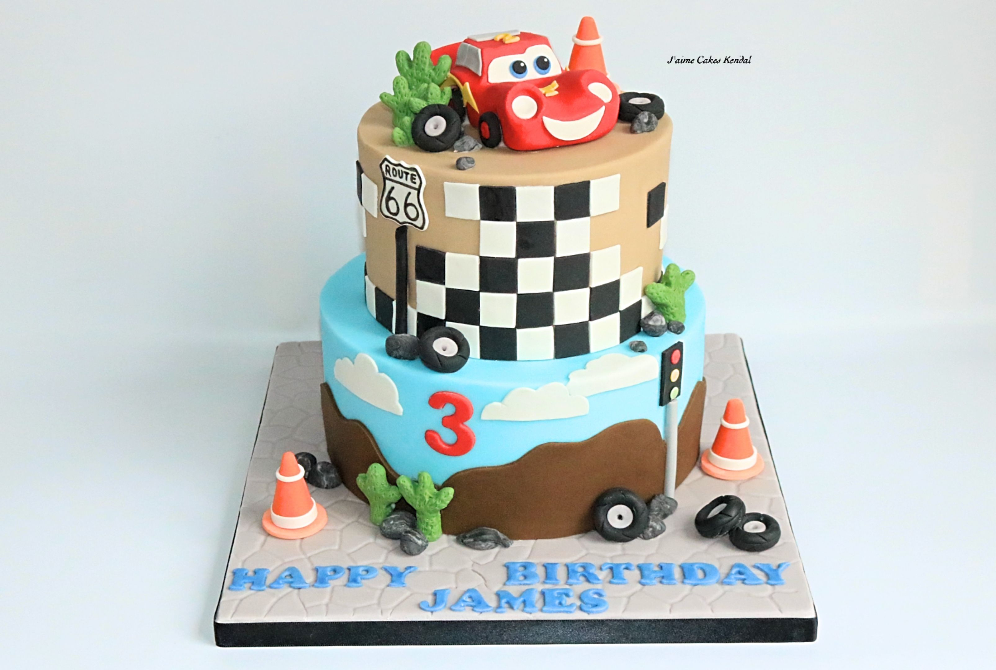 Lightning McQueen Cake by httpwwwjaimecakeskendalcouk Little