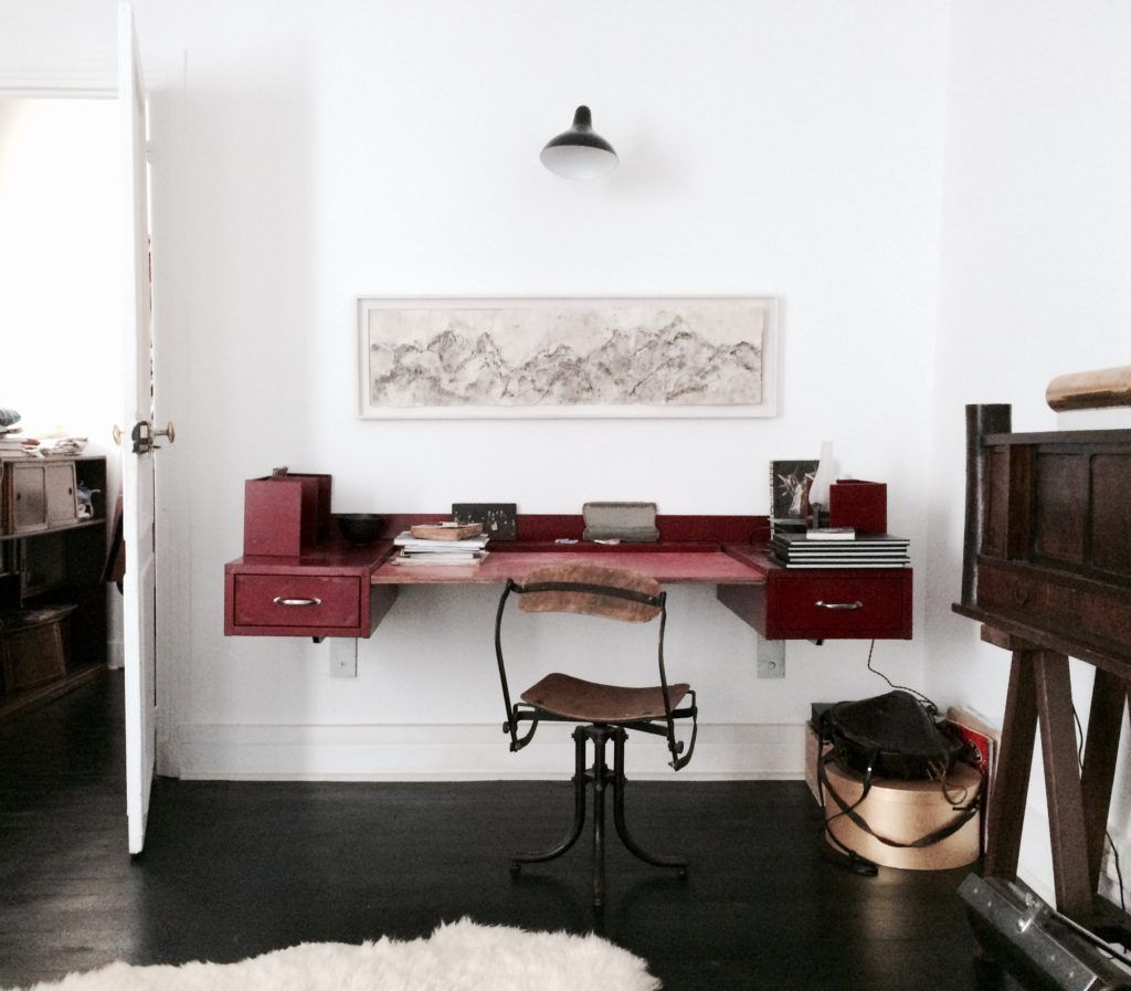 a studio in paris | House for Couples | Table furniture, Paris home ...