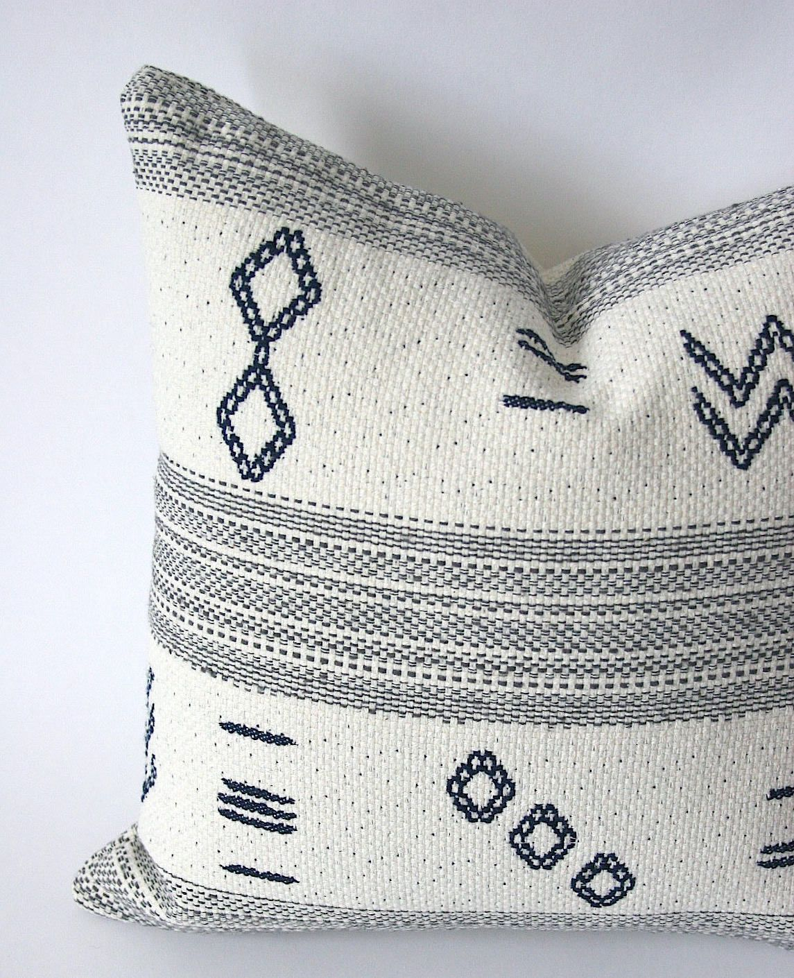 28X28 Pillow Insert Ultra Thick Grey Cream Navy Decorative Throw Zipper Pillow Cover
