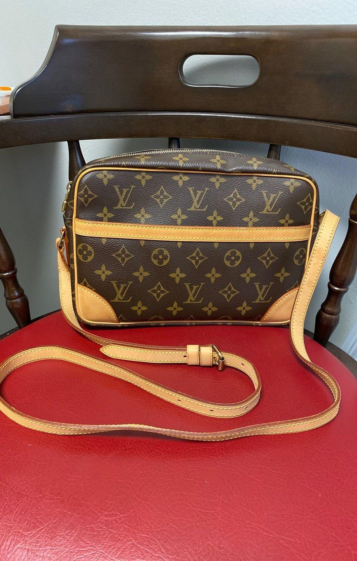 Louis Vuitton Trocadero 27 Crossbody Bag In 2020 Louis Vuitton Shoulder Bag Vuitton Louis Vuitton