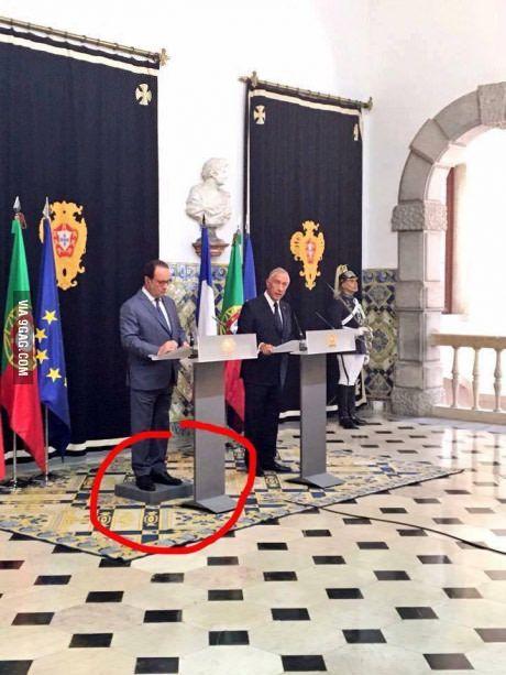 So François Hollande visits Portugal...   Mèmes drôles, Blague politique et Hollande humour