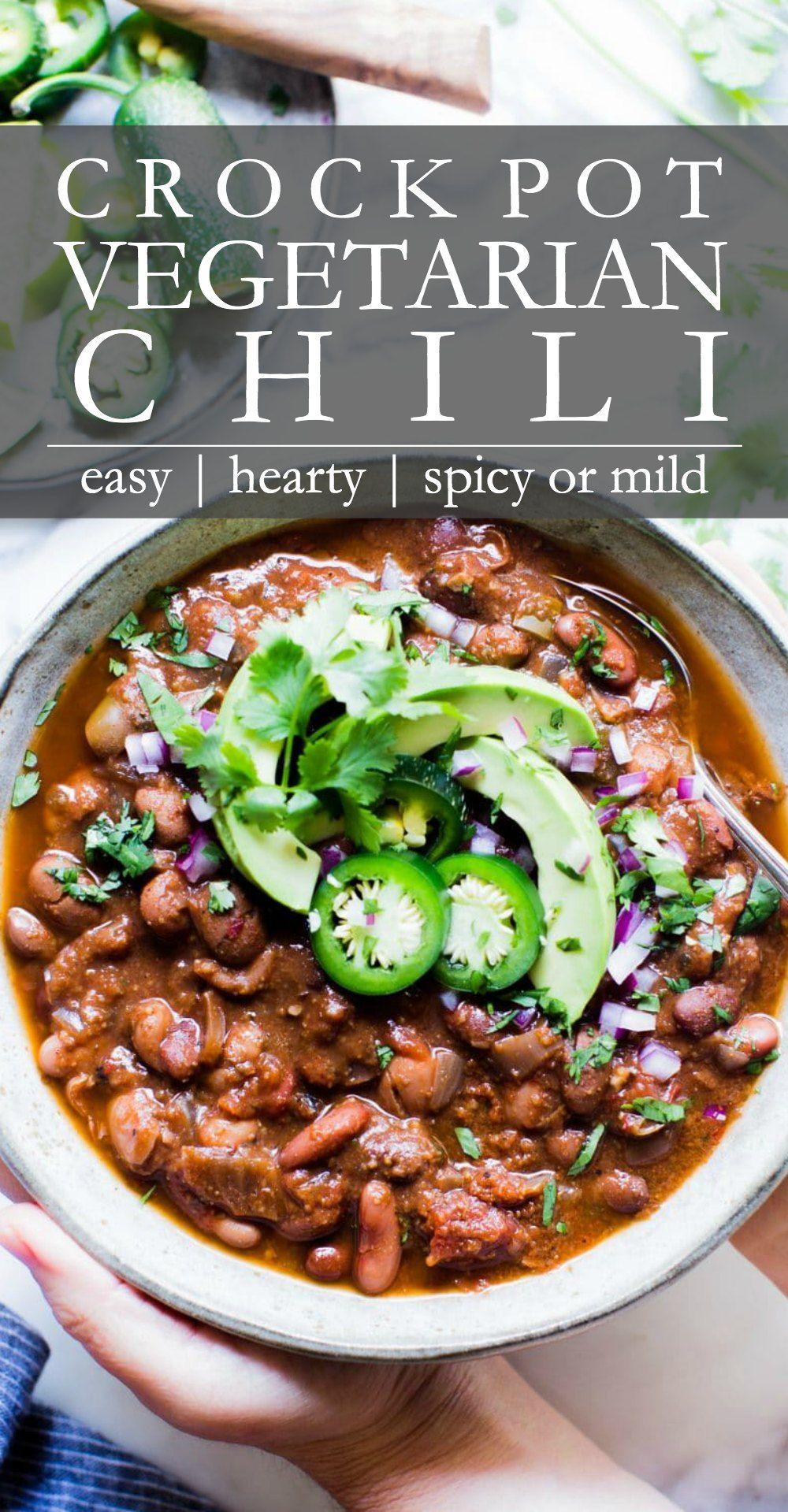 Hearty Crock Pot Vegetarian Chili In 2020 Vegetarian Crockpot Vegetarian Chili Crock Pot Slow Cooker Chili Recipe