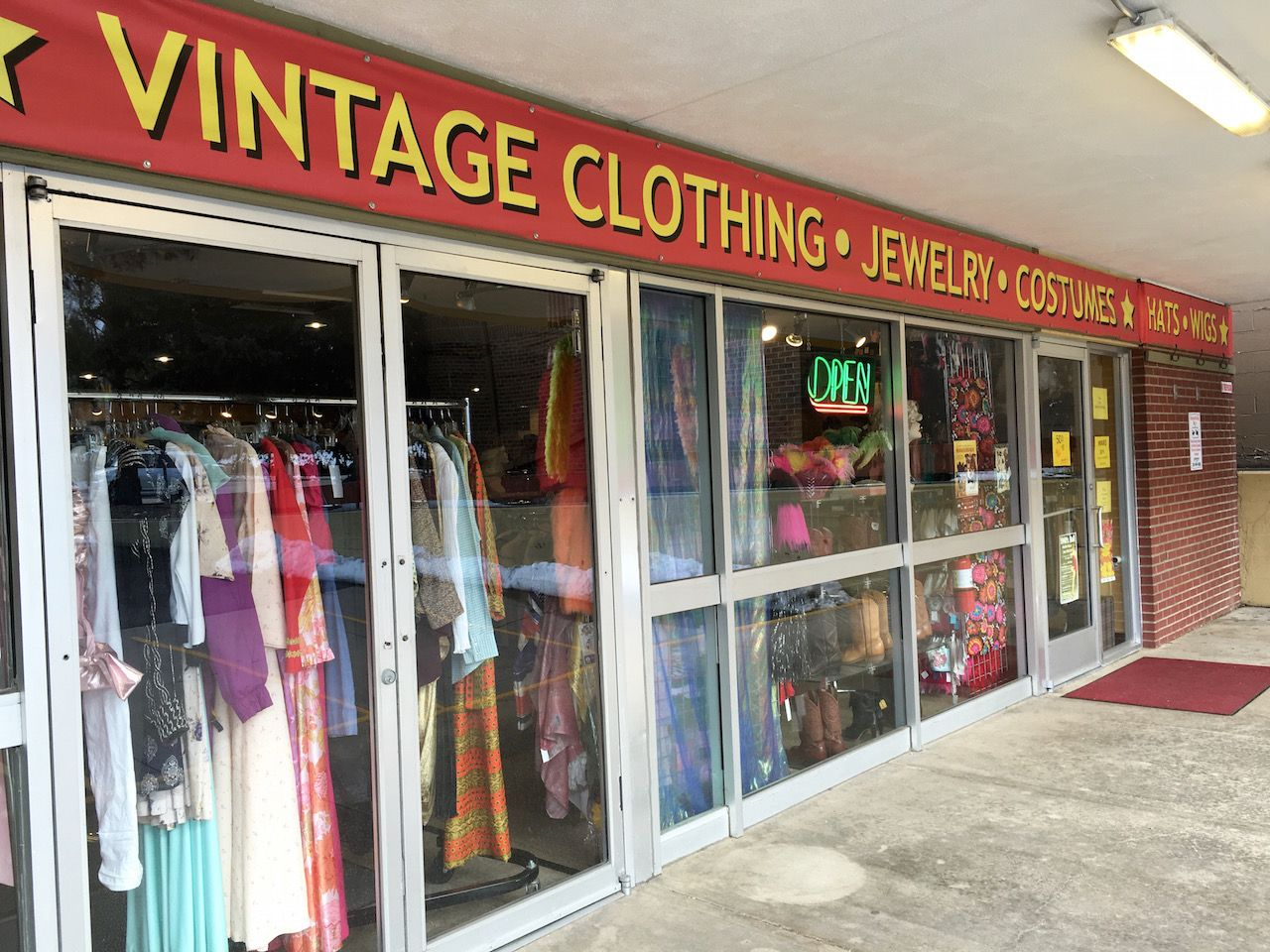 Your Guide To Thrift Shopping In Denver 5280 Thrifting Thrift Shopping Vintage Clothes Shop