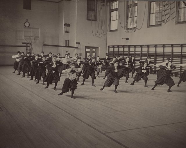 Girls Gym Class, Ca 1901  History, Vintage Photography, Vintage Photos-1478