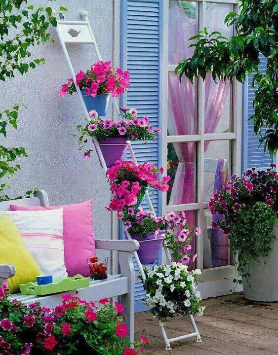 Decorar terrazas con flores proyectos que intentar for Decorar patios grandes