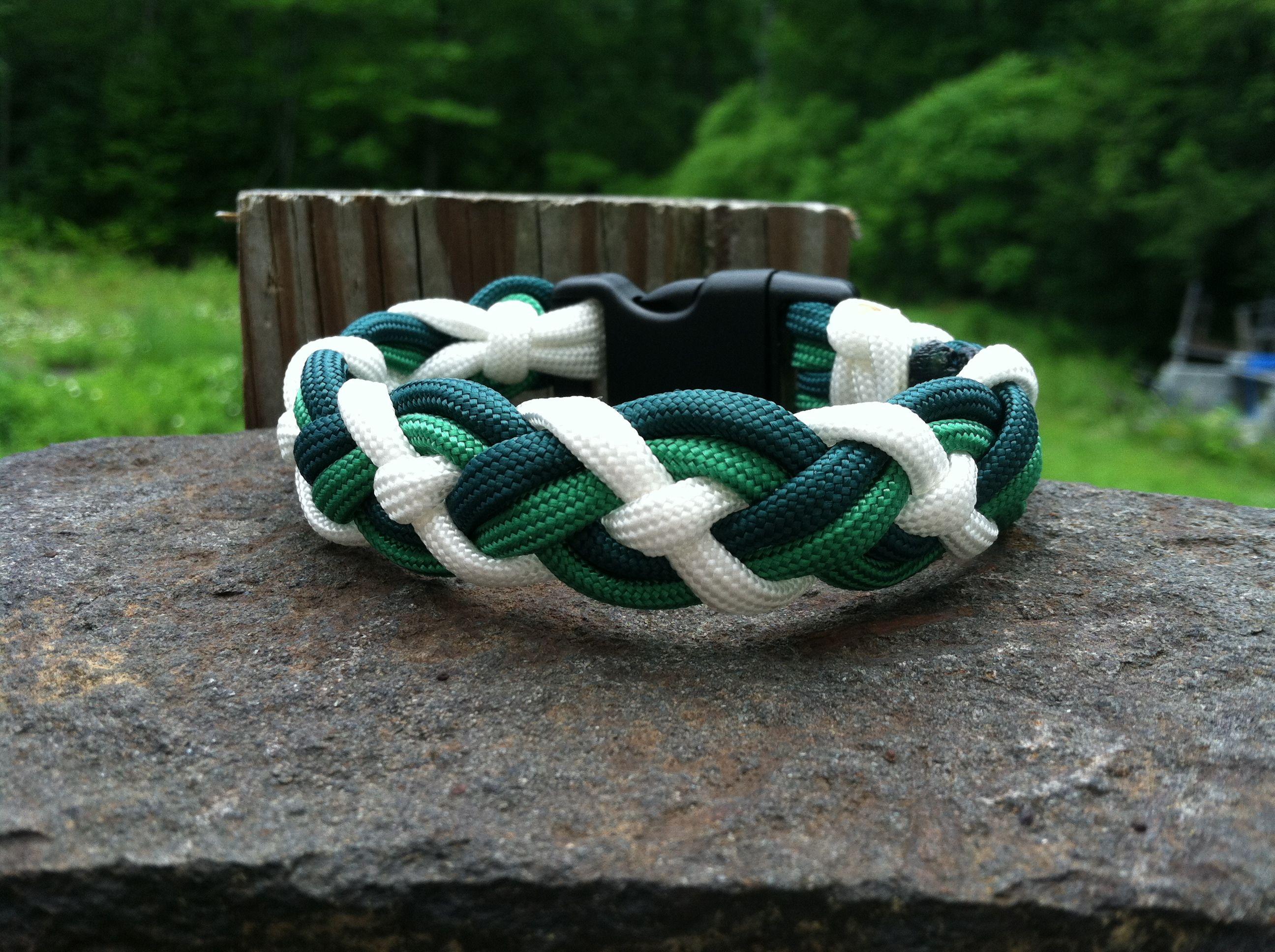 celtic bar paracord bracelet if i can find instructions. Black Bedroom Furniture Sets. Home Design Ideas