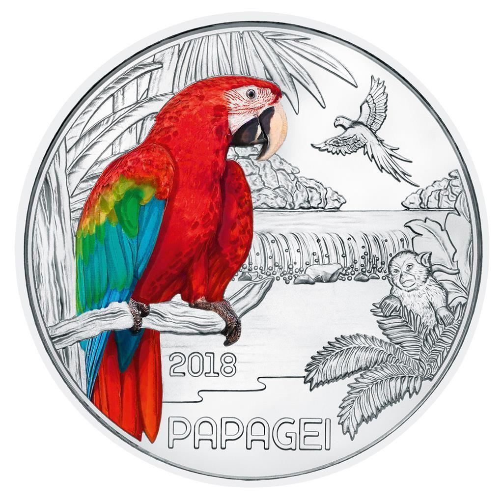 Auf Der 3 Euro Munze Der Sechsten Ausgabe Ist Ein Papagei In Farbe