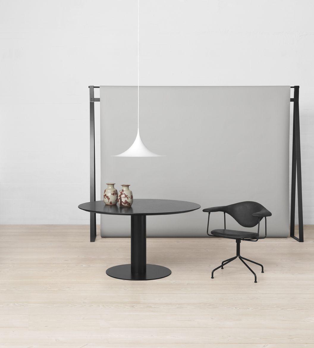 GUBI - Gubi Table 2.0, Masculo Swivel Chair and Semi Pendant