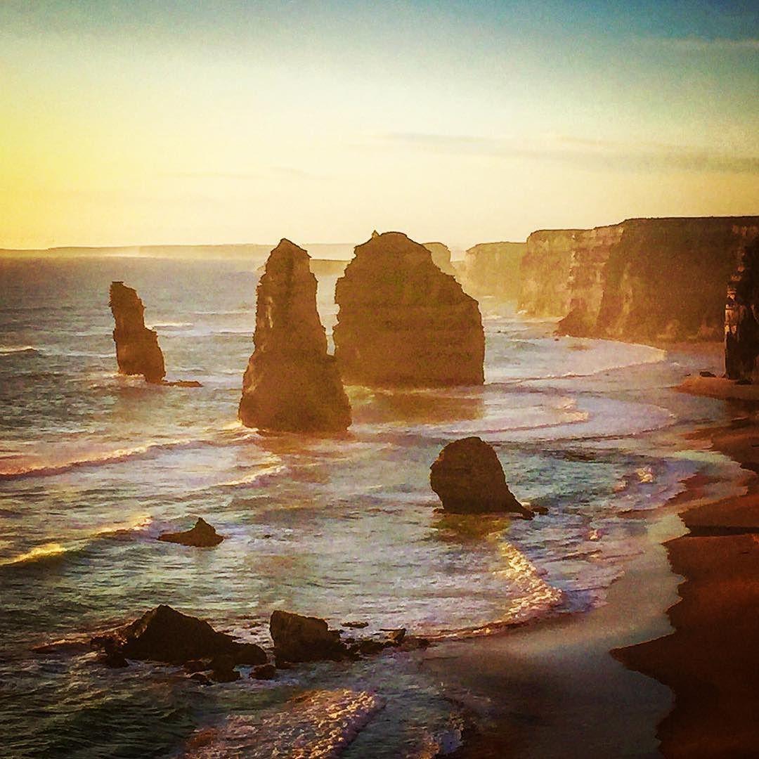 """Escursione molto gradita i """"12 apostoli"""" #greatoceanroad #greatocean #greatoceanroadtrip #twelveapostles #12apostles #twelveapostoles #12apostoles #victoria #australia #australiaontheroad #oceano #viaggiaresoli #viaggiaresolo by cucchez http://ift.tt/1ijk11S"""