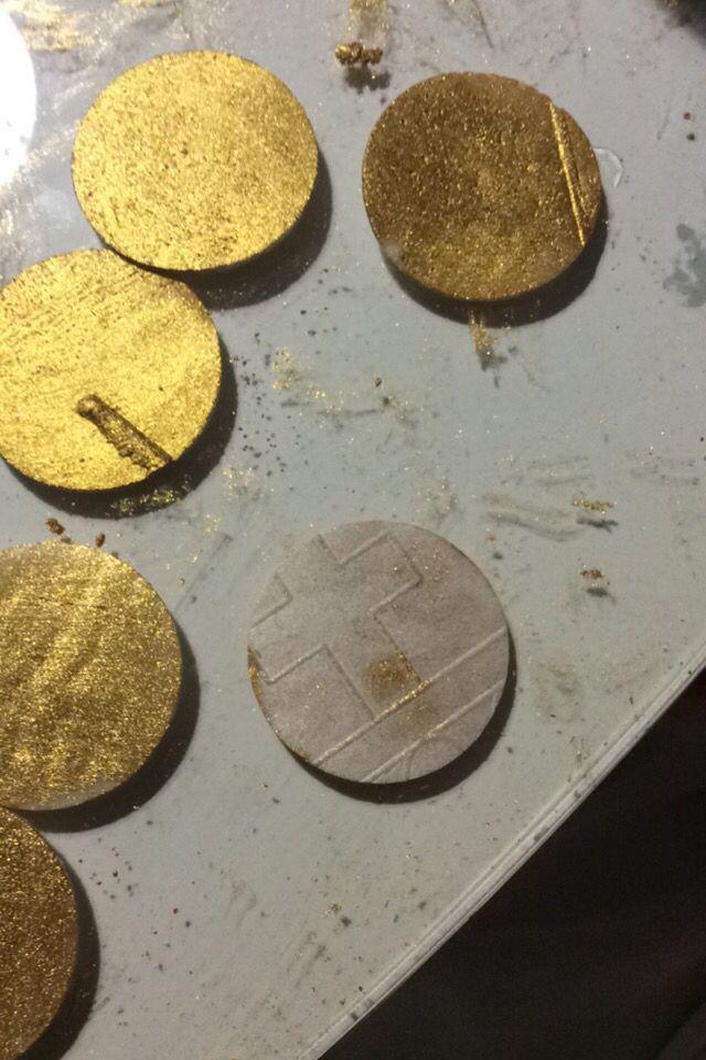 Hóstias pintadas em ouro ❤️