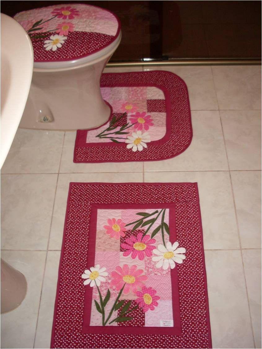 Kit para banheiro em patchwork com tapetes tampo de vaso for Adornos navidenos mercadolibre