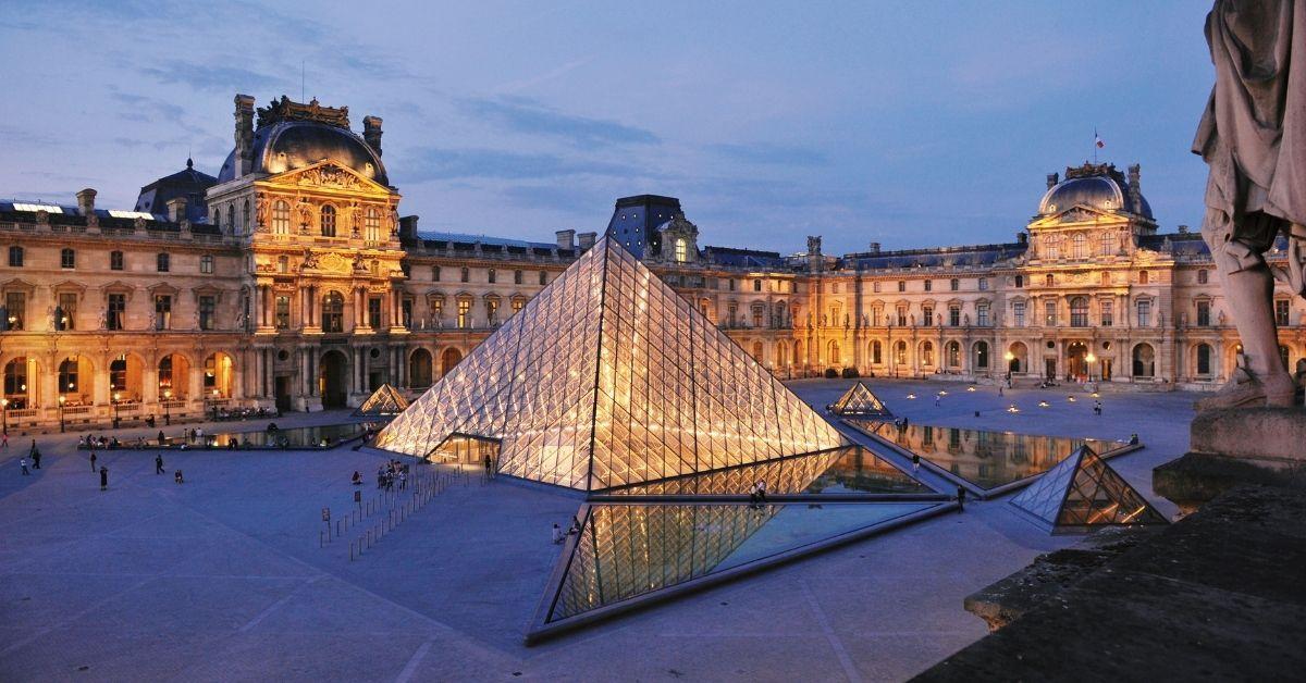 Le Louvre Et Alibaba Proposent La Toute Première Visite Virtuelle Du Musée Louvre Musée Louvre Paris