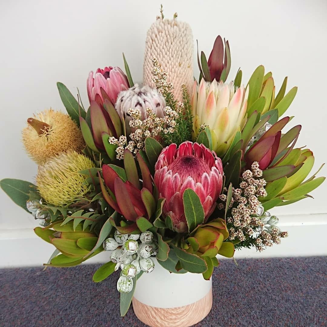 Banksia And Protea Flower Arrangement Protea Flower Flower Arrangements Australian Flowers